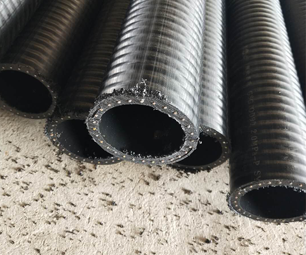 孔网钢带聚乙烯复合管